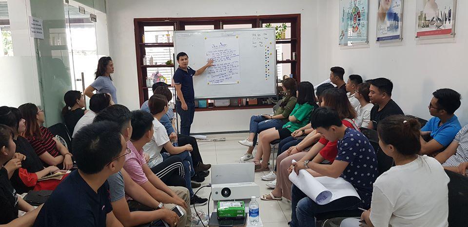 đào tạo nâng cao kiến thức cho nhân viên